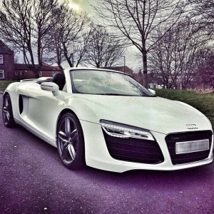 Audi R8 front ( white )