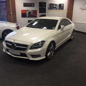 Mercedes CLS front ( white )