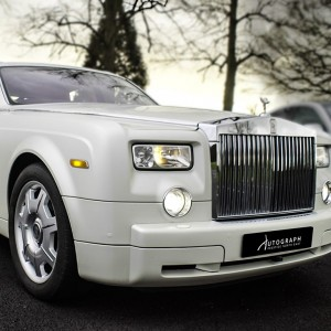 Rolls Royce Phantom (front white)