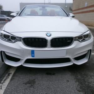 Bmw M4 front ( white )