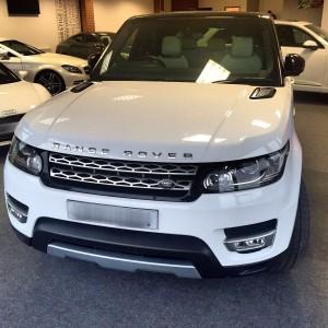 Range Rover front ( white )